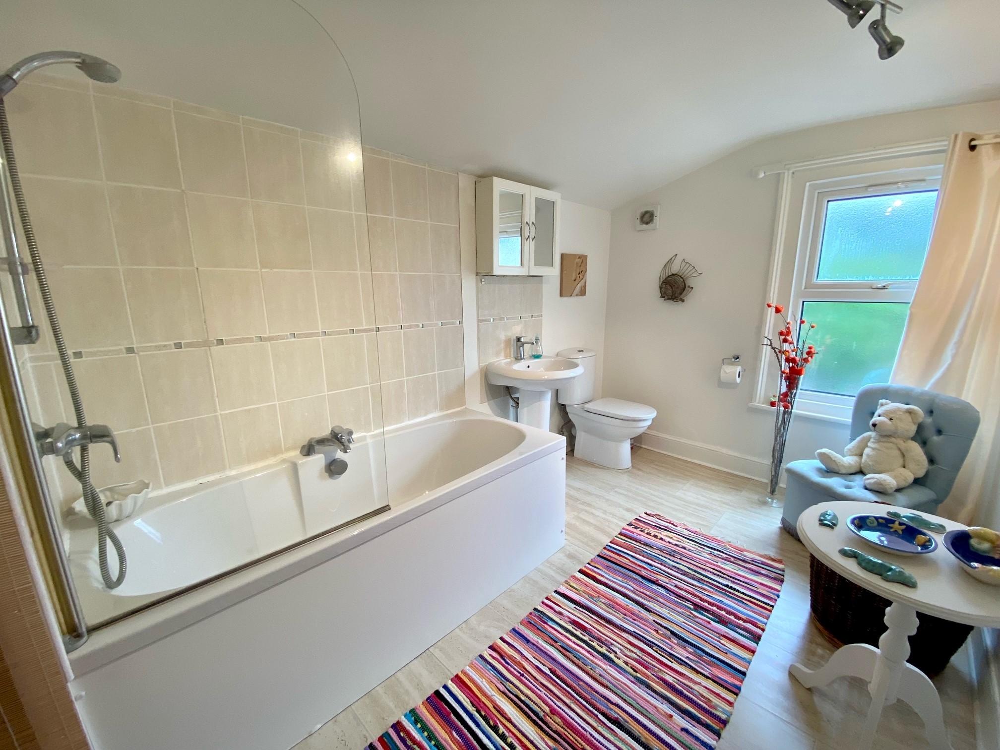 Ruthies Bathroom 1