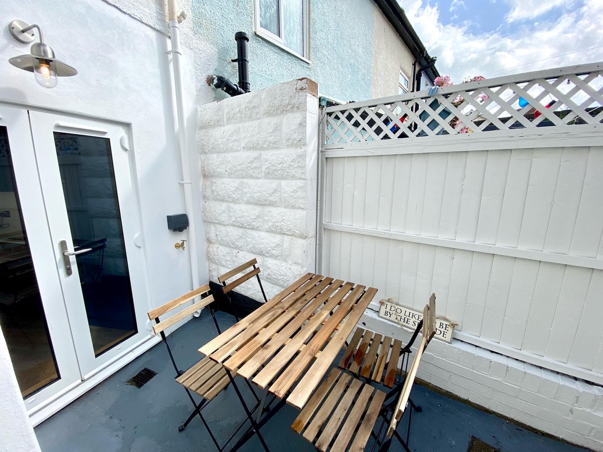 Pebblecombe Courtyard 2