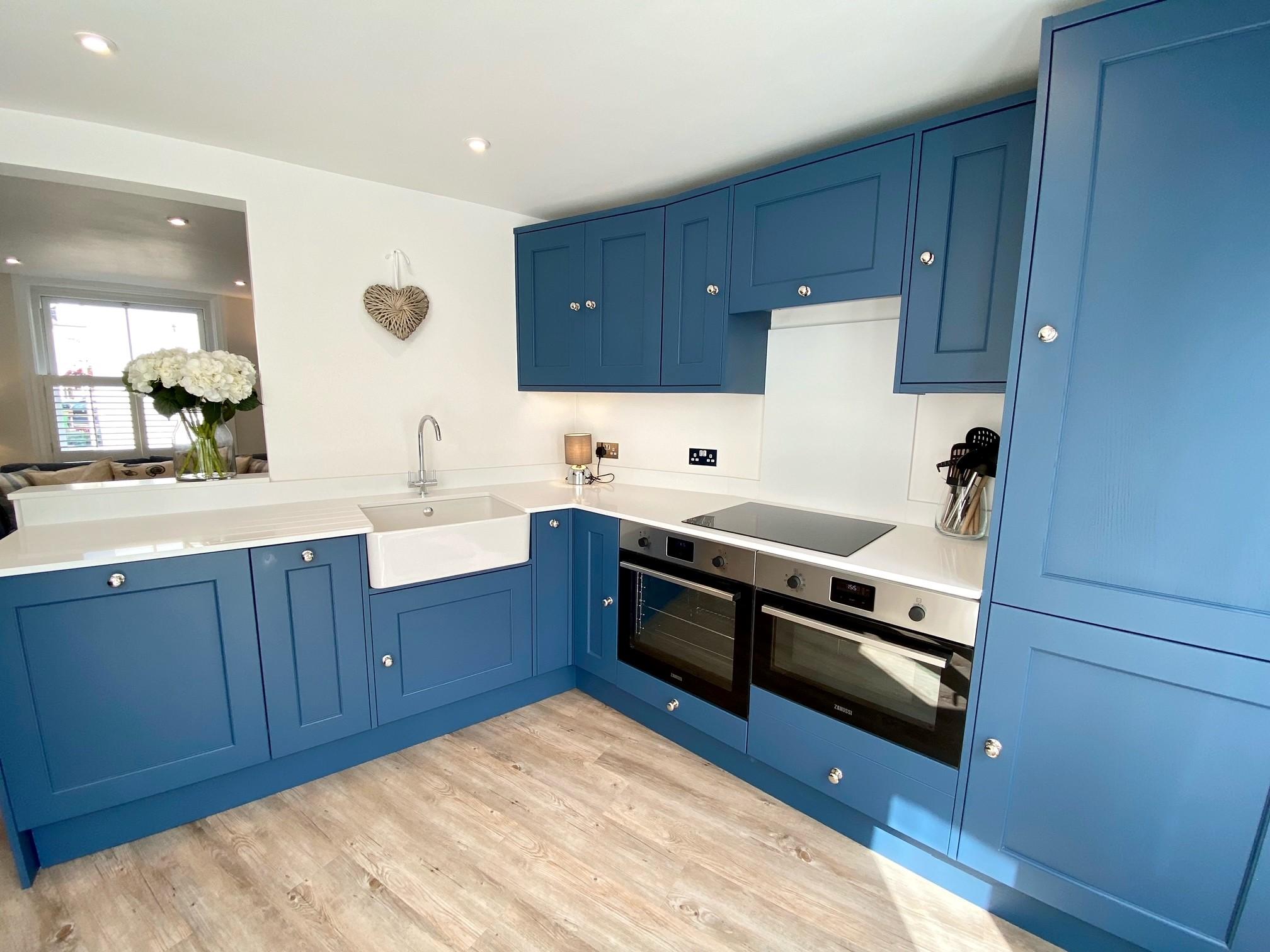 Pebblecombe Kitchen 7