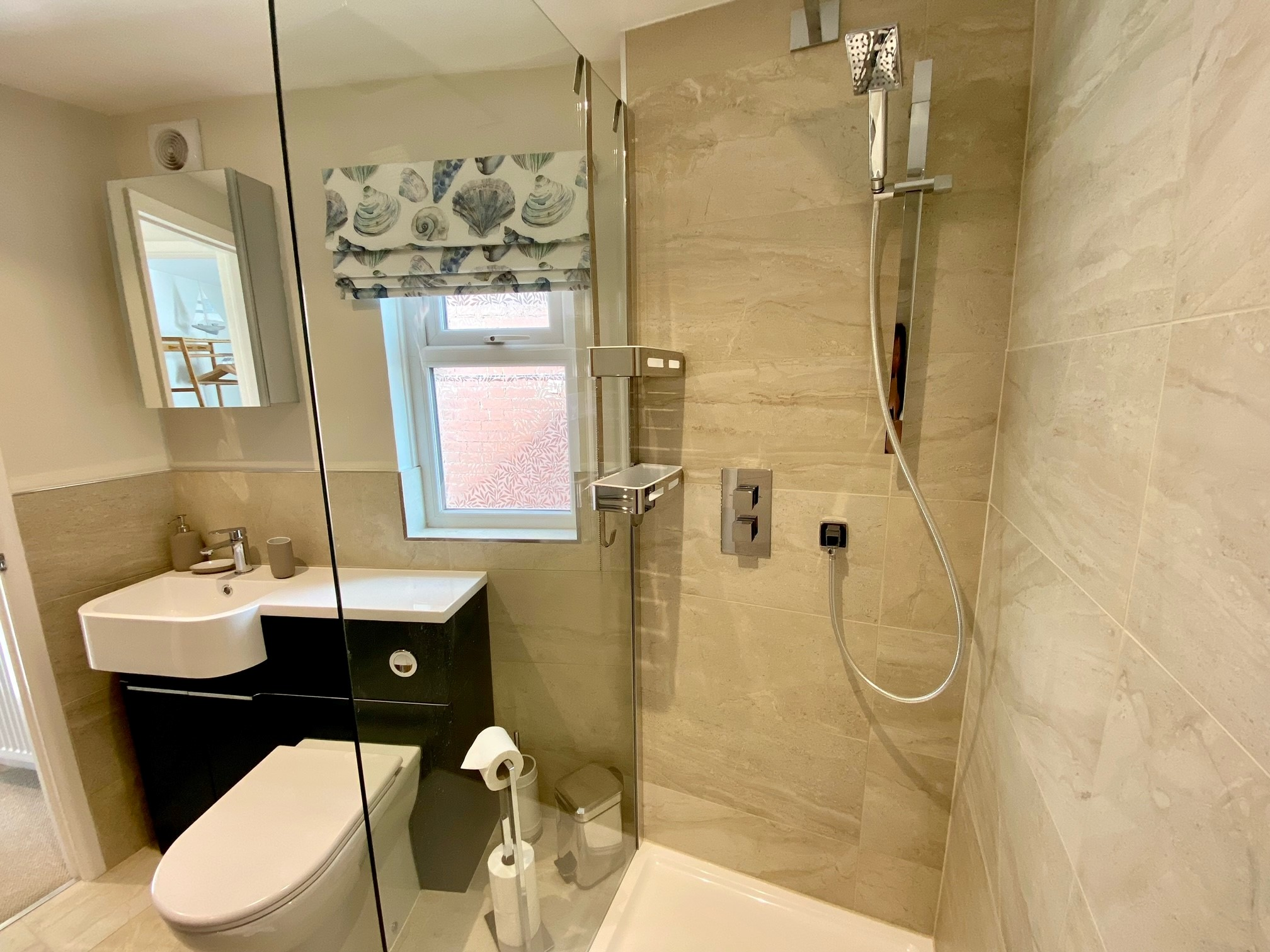 Pebblecombe Shower