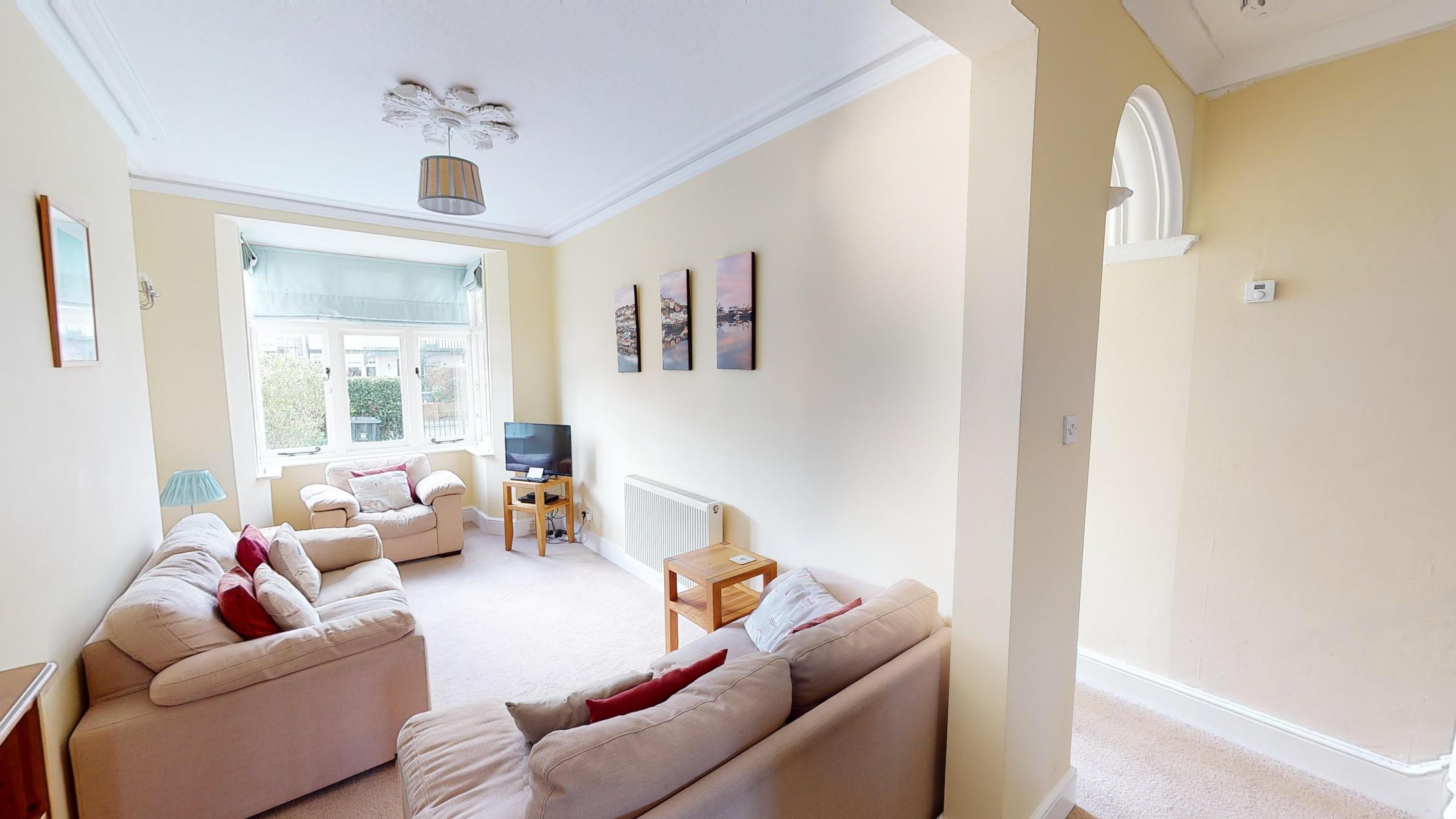 Cambridge House Lounge
