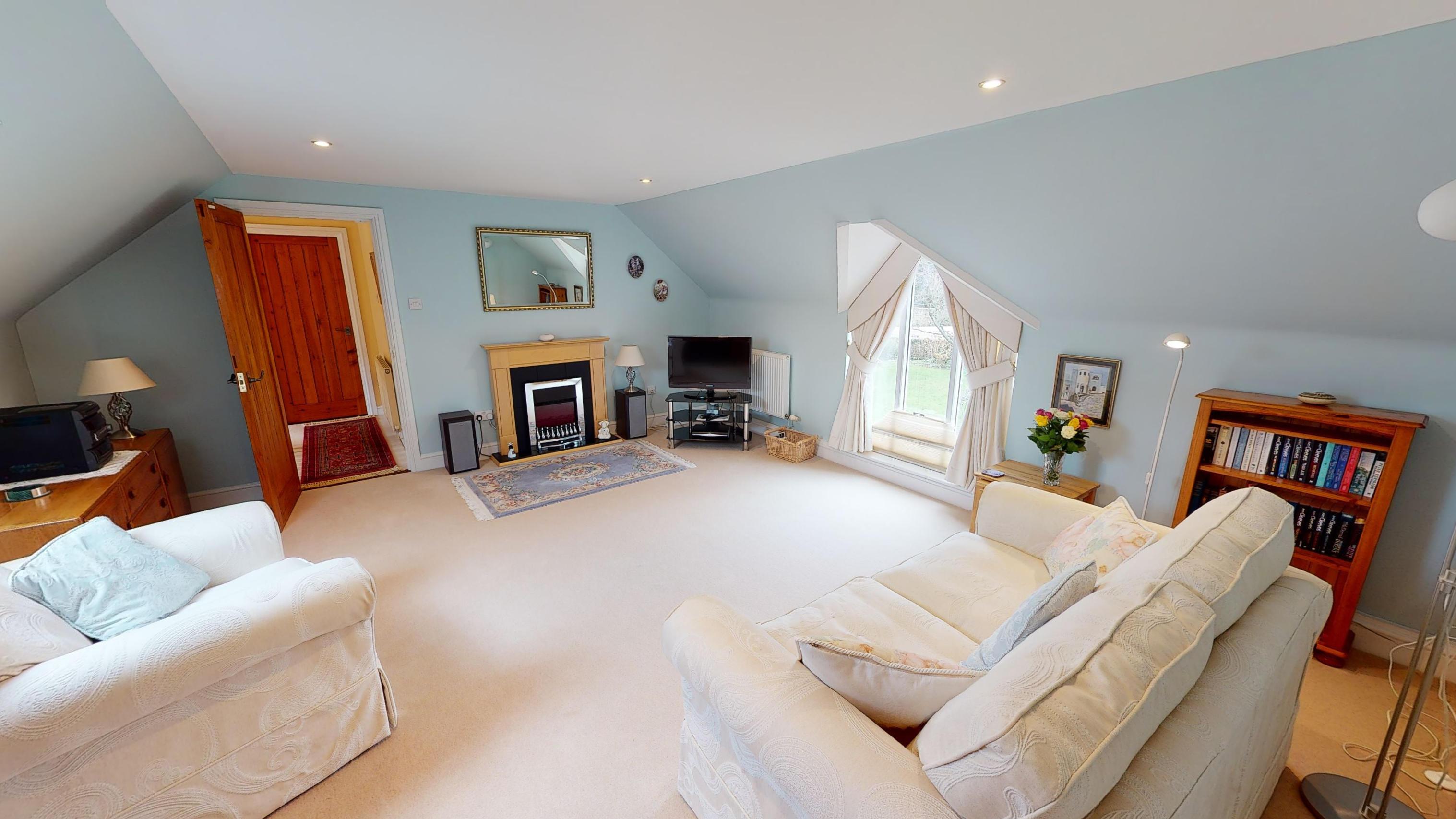 Coxes Cottage 02262020 145709 Lounge