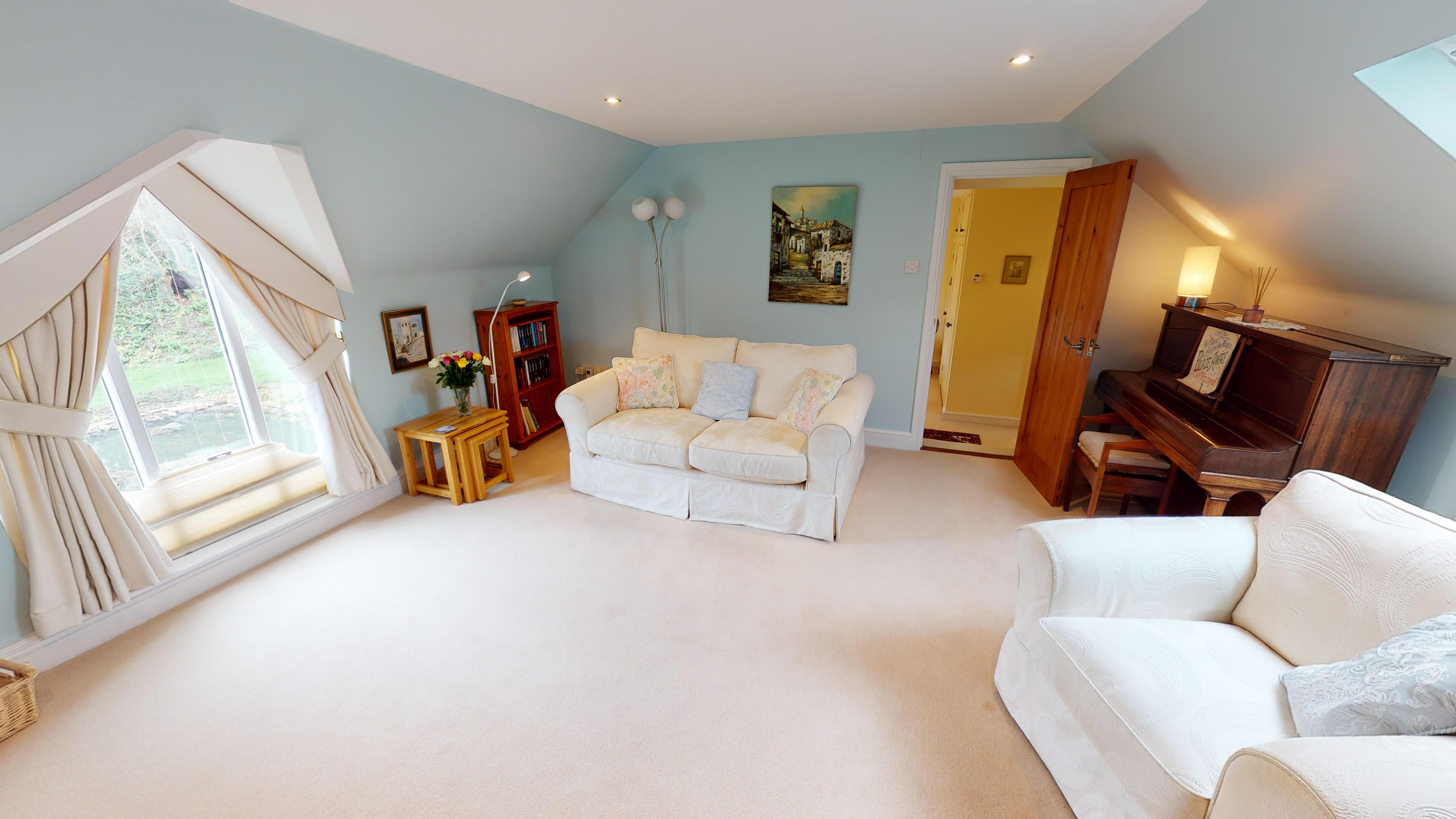 Coxes Cottage 03032020 174952 Lounge 2