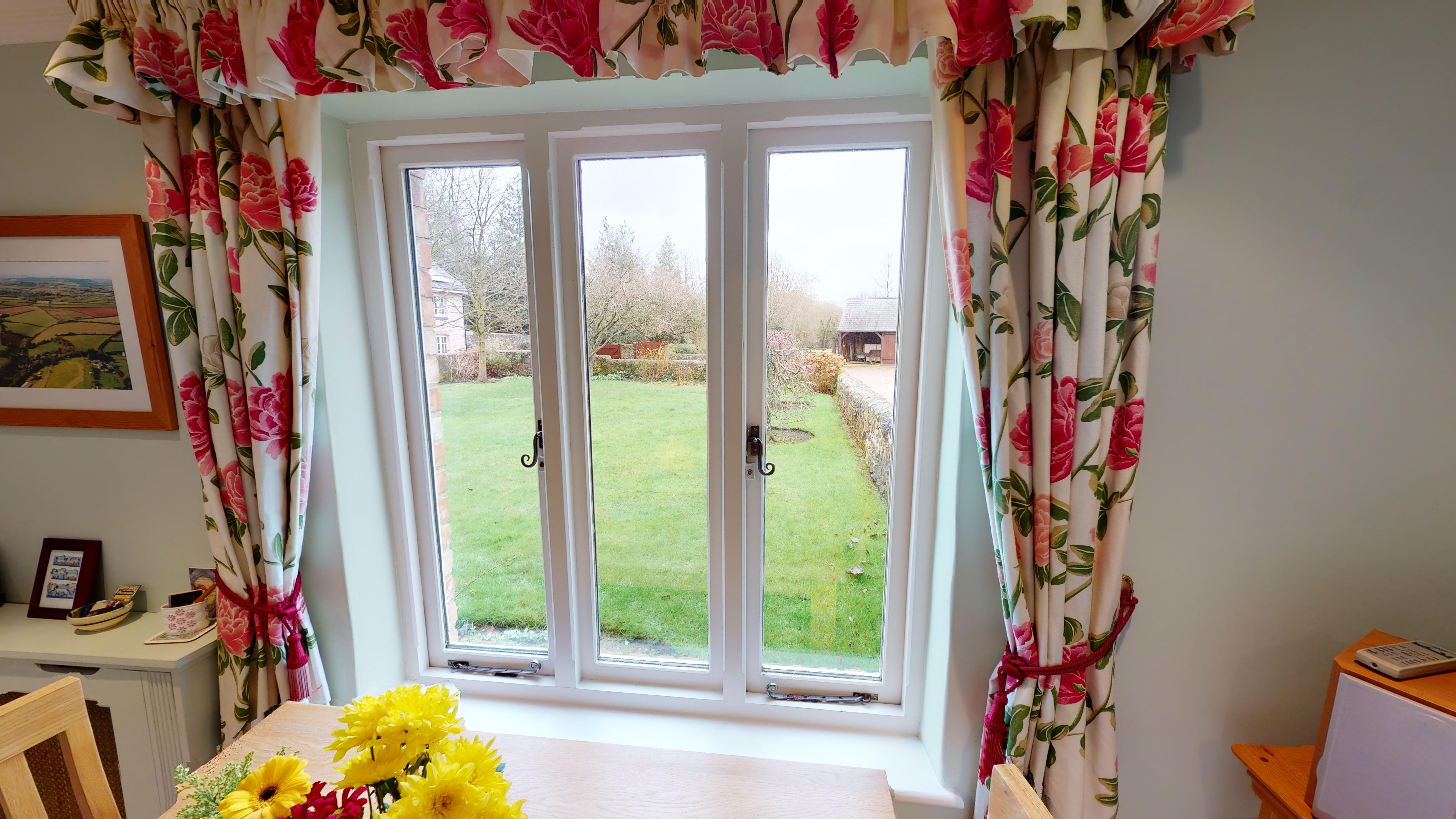 Coxes Cottage 03032020 191502 Window