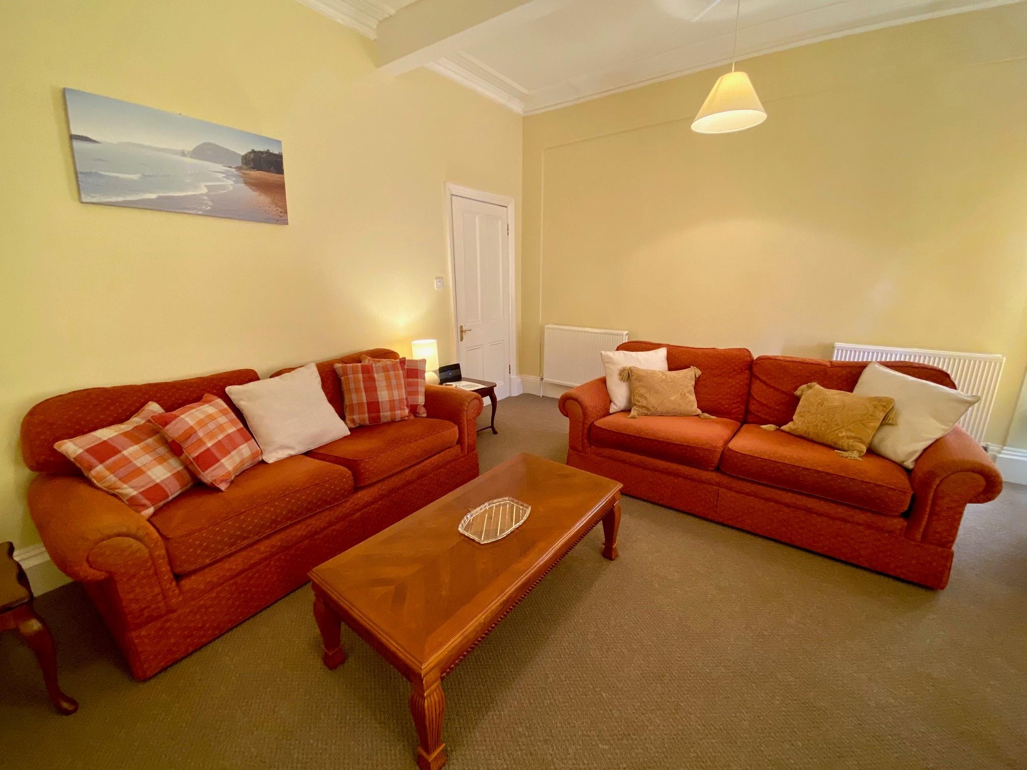 Merrifield Lounge