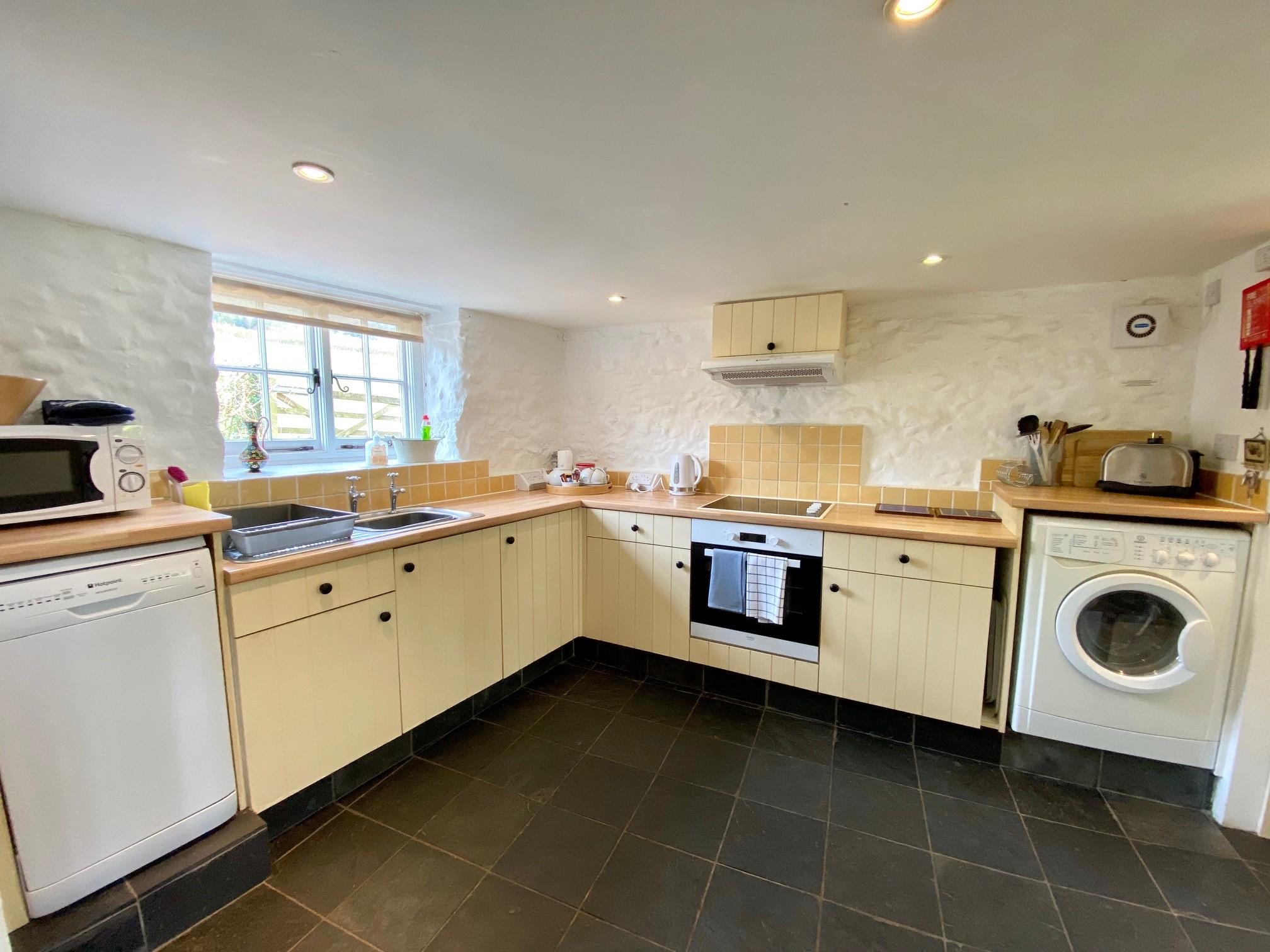 Riverside Kitchen 2