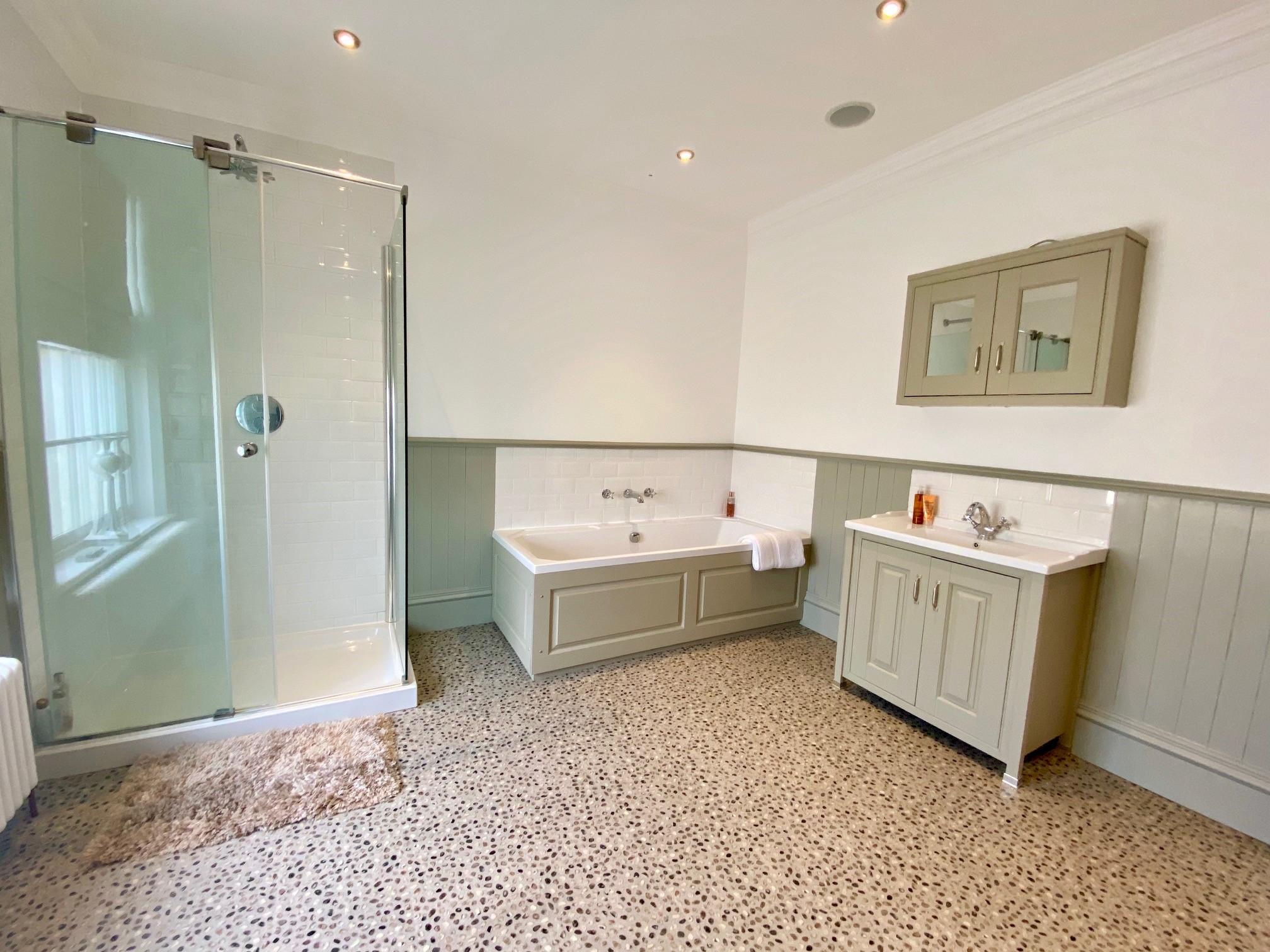 Locomotion Bathroom 1