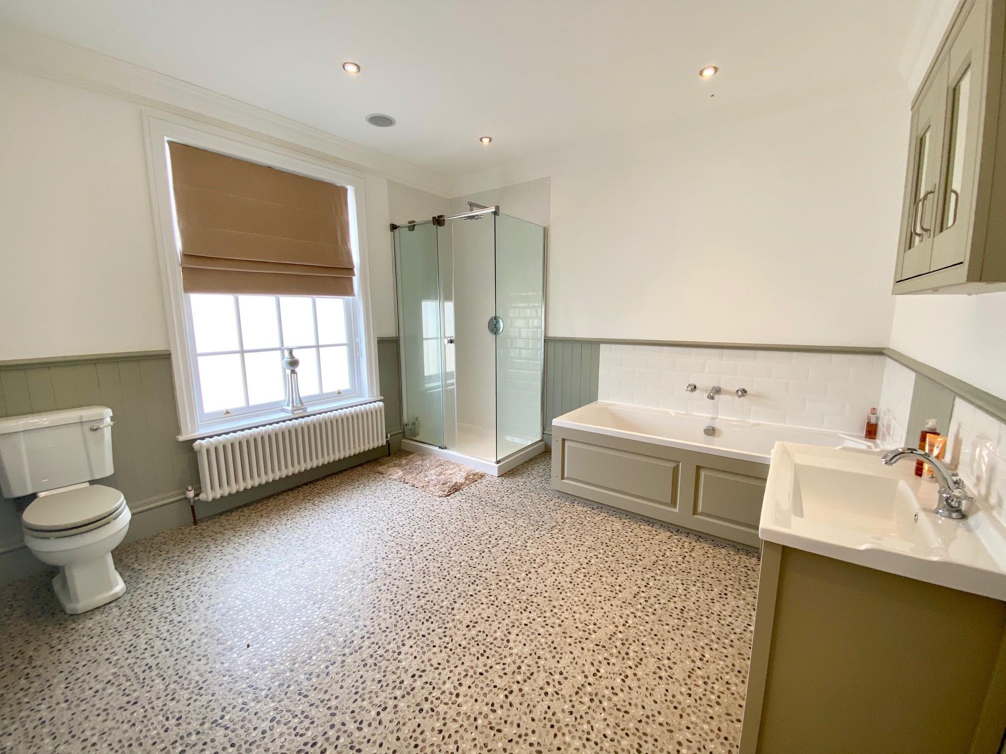 Locomotion Bathroom 2