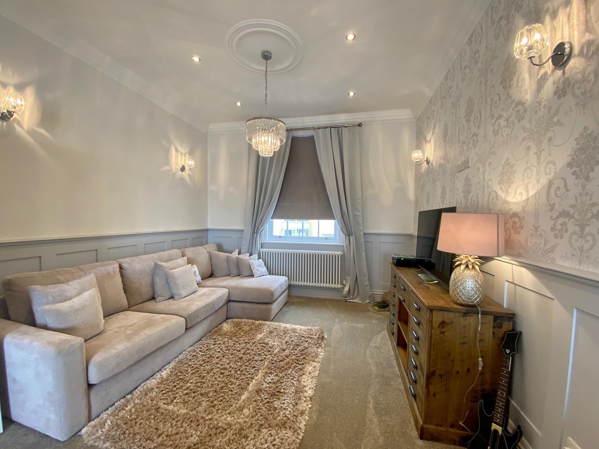 Locomotion Lounge 4