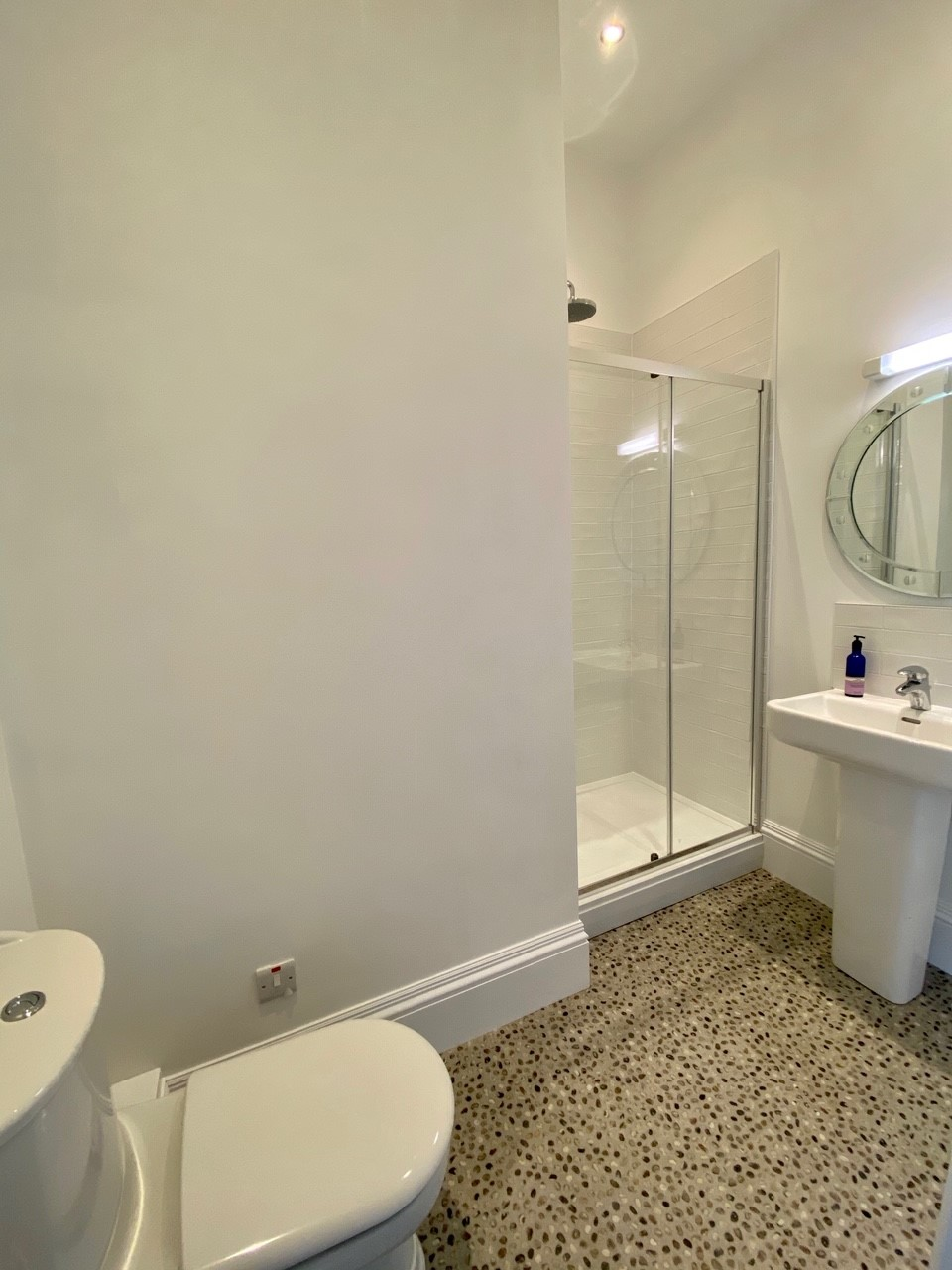 Locomotion Shower