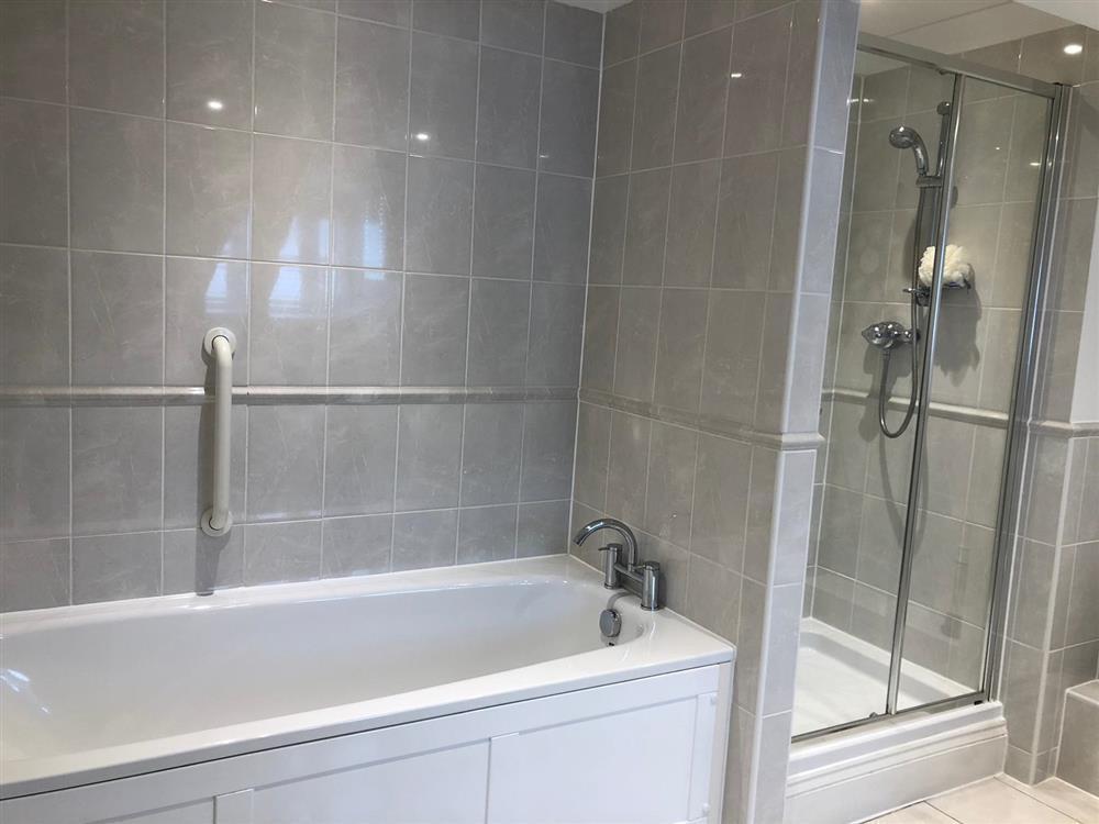 Finelia Bath