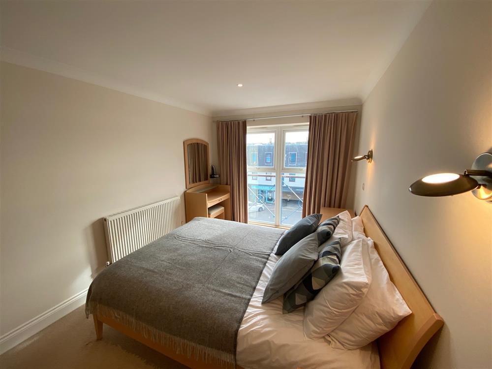 48918 Pilot Bedroom 2