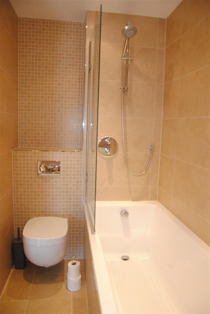 371Ref 371 Ensuite Bathroom
