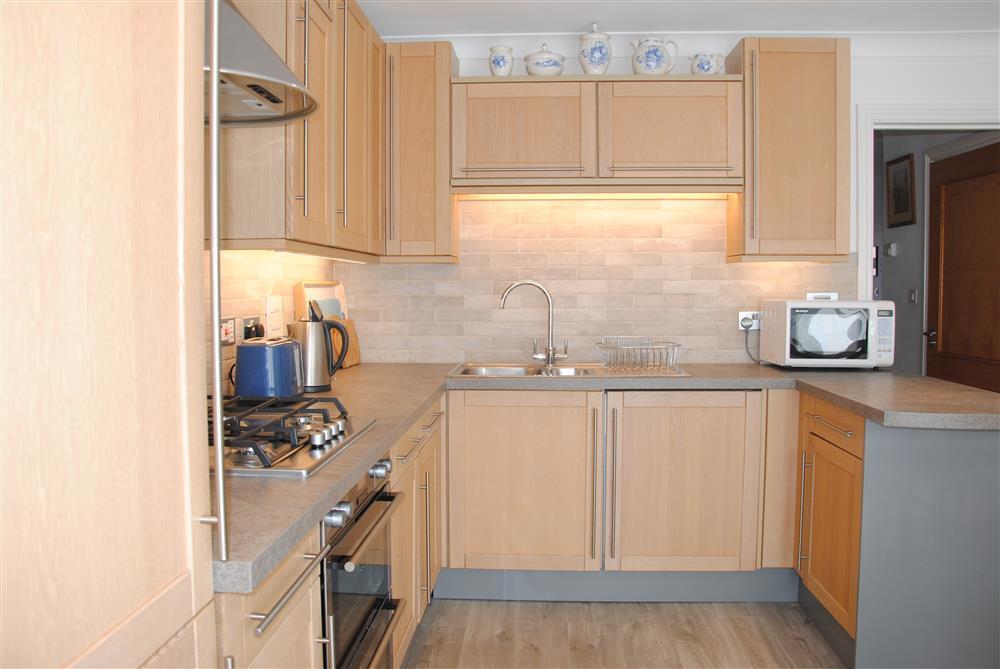 371Ref 371 Kitchen B