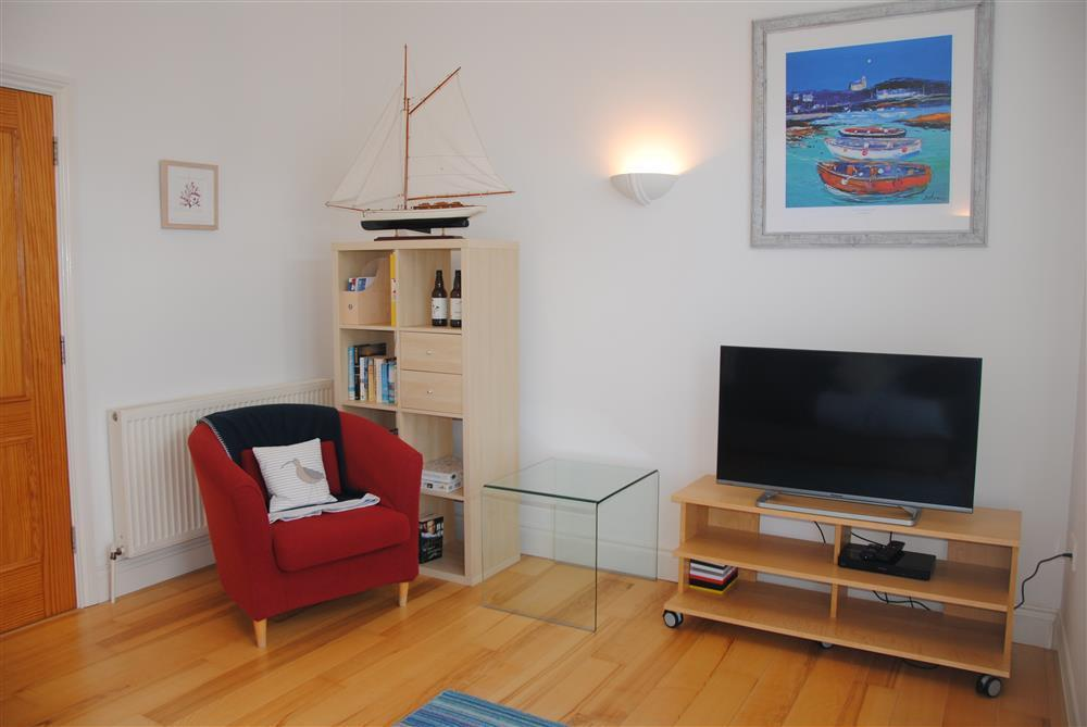371Ref 371 Living Room C