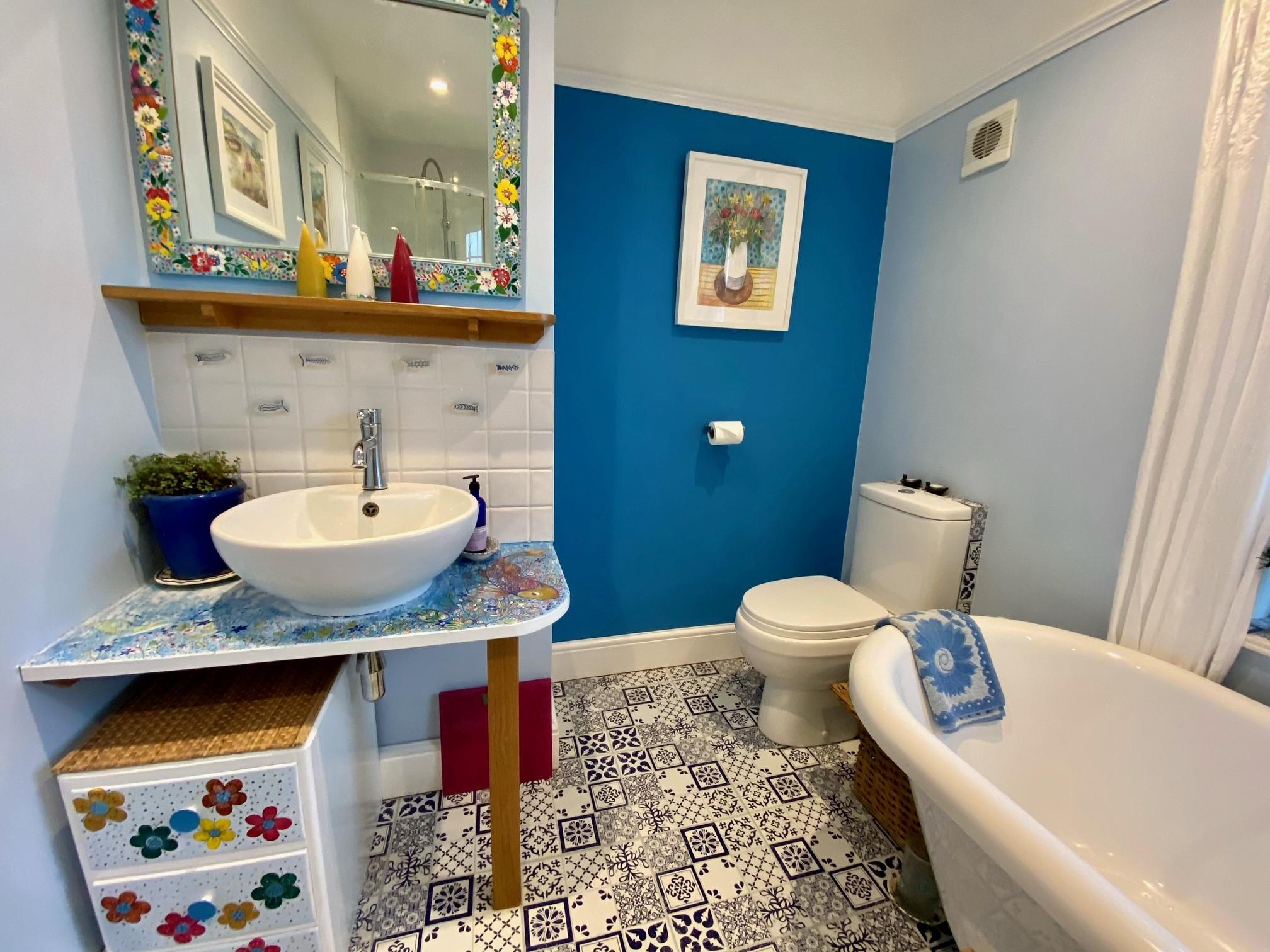 Woodrising Bathroom 2